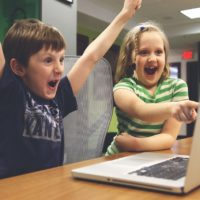 This Is How to Manage Your Child's Screen Time