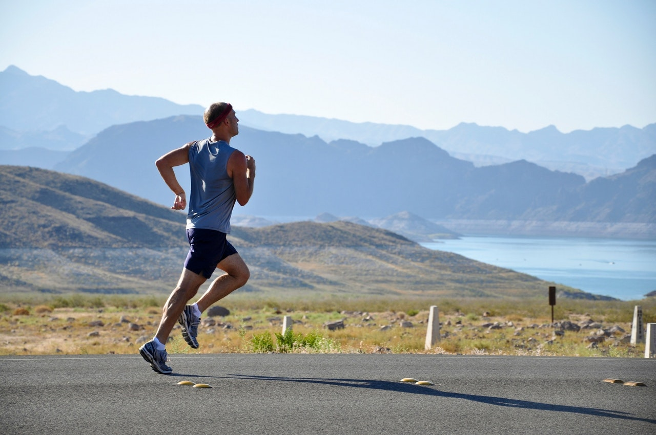 9 Great Reasons to Take Your Phone When You Go Jogging