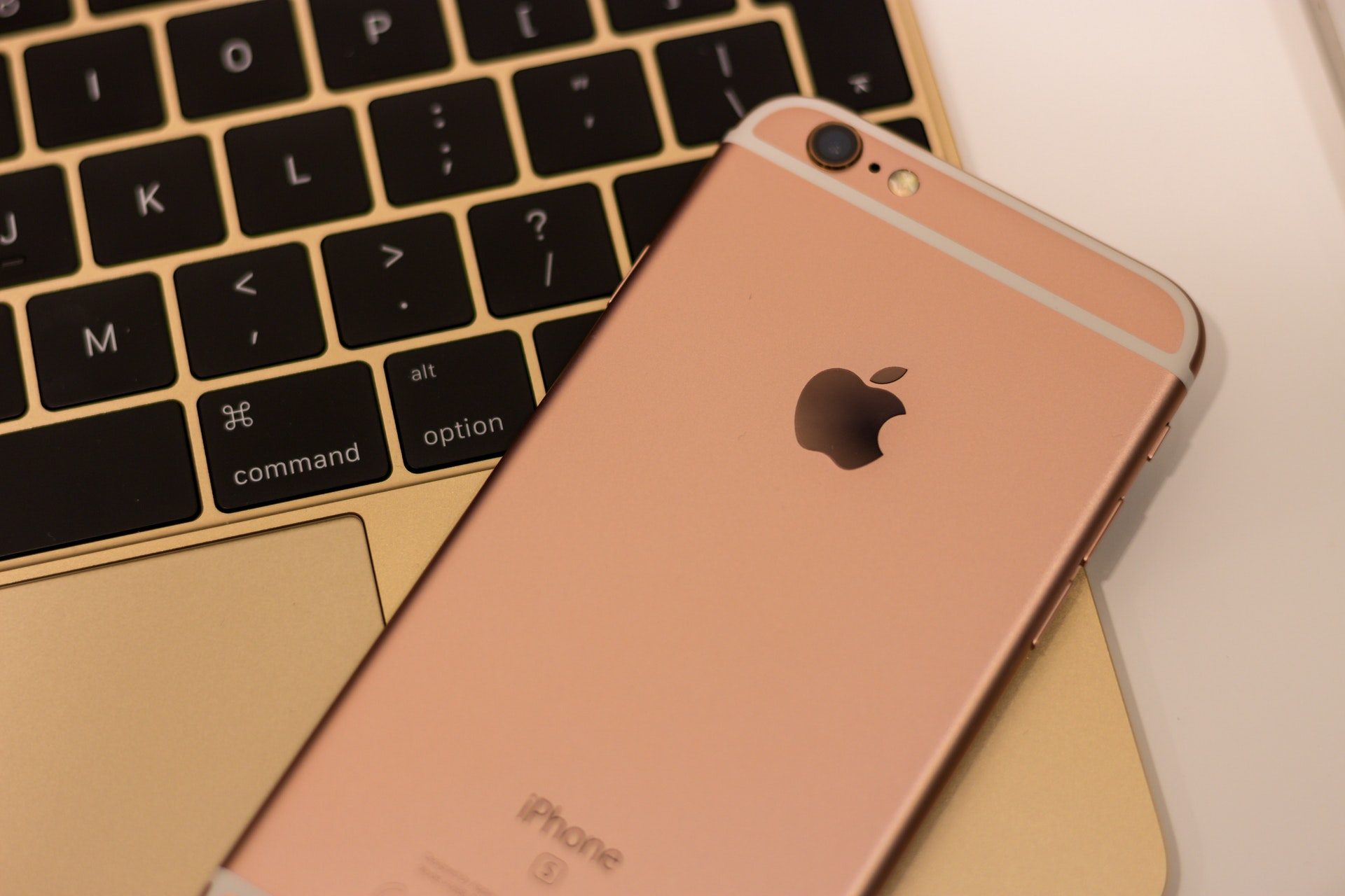 8 Reasons Why the iPhone Is the Best Smartphone
