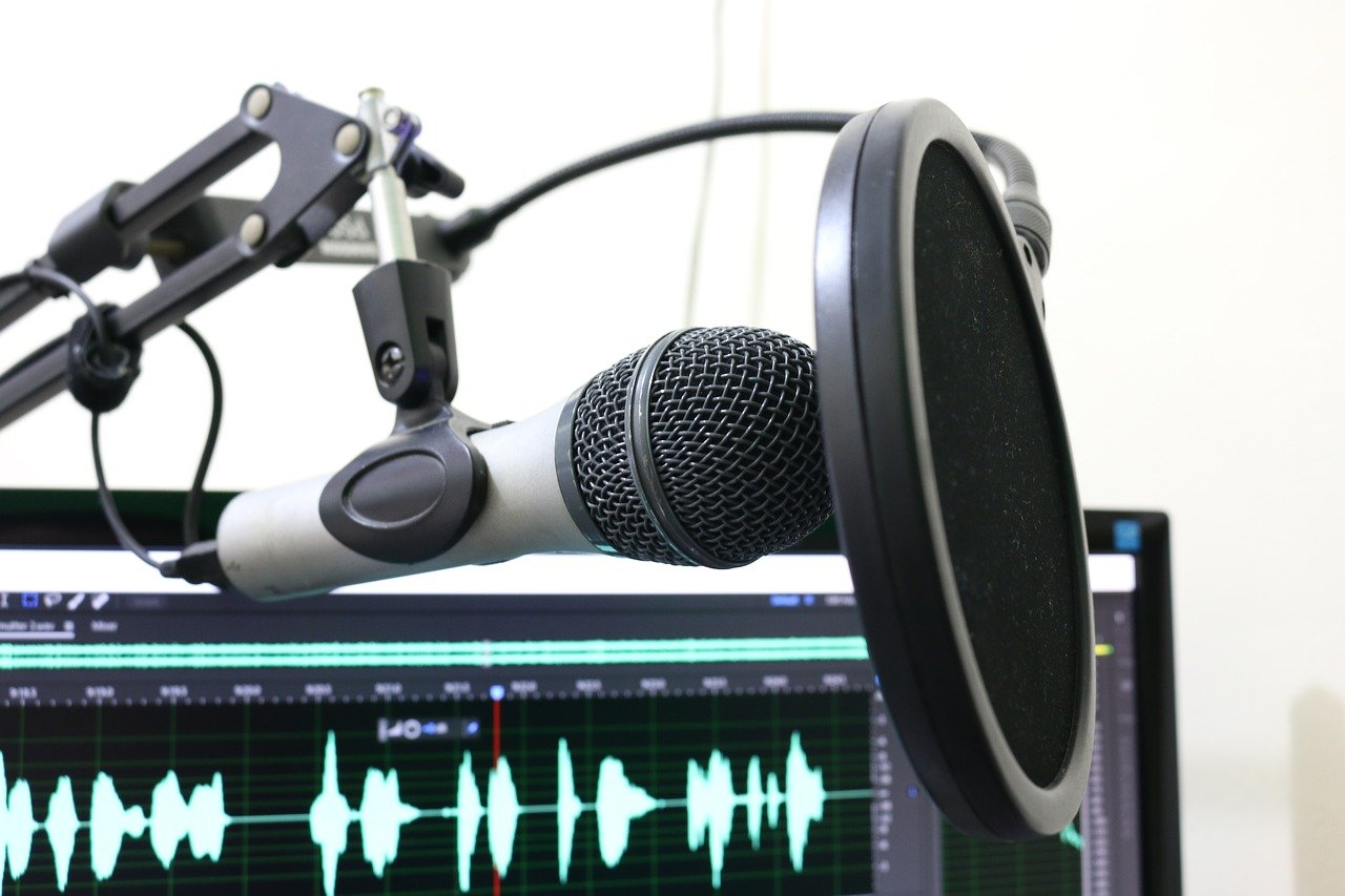 4 of the Best Practical Tips for Starting a (Home-Based) Podcast